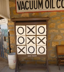 noughts and crosses - The Village Historicl Loxton